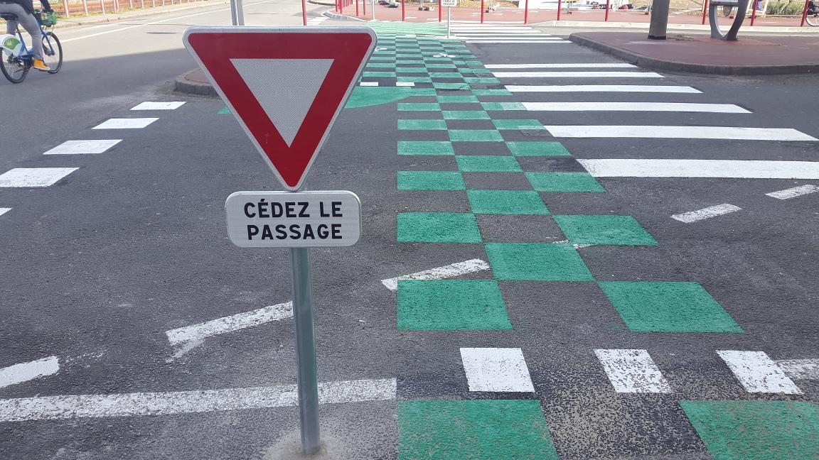 La passerelle Mollien: un projet coûteux, pénalisant et accidentogène pour les cyclistes