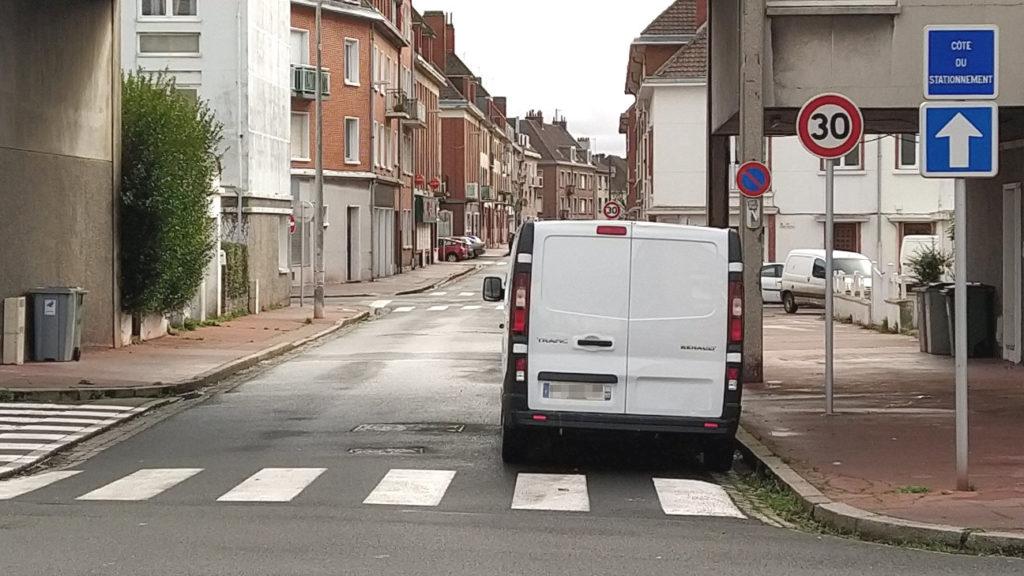 Rue rue Lion Rouge sans double sens cyclable